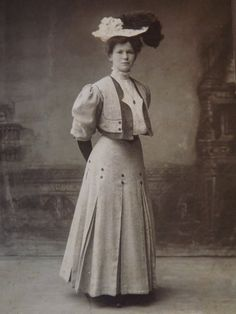 Vintage Original 1890's Photo Of Young Woman In Walking Costume