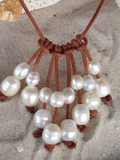 Items similar to Freshwater pearl and leather necklace on Etsy - DIY Schmuck Pearl Jewelry, Wire Jewelry, Jewelry Crafts, Beaded Jewelry, Jewelery, Jewelry Necklaces, Handmade Jewelry, Unique Jewelry, Jewellery Box