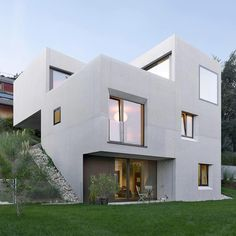 ✨Contemporary Villa SAH in Neuchâtel, Switzerland by Andrea Pelati Architecte Location: Neuchâtel, #Switzerland