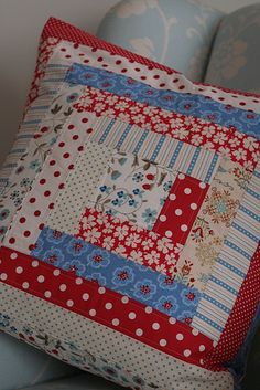 log cabin pillow | blogged here: saidosdaconcha.blogspot.com… | Flickr