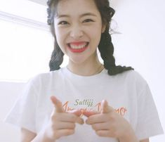 Sulli / Choi Jin-ri (March 1994 – October 13 or Rest in peace, beautiful soul Sulli Choi, Choi Jin, Victoria, Rest In Peace, Kpop Aesthetic, Hyuna, Little Star, Beautiful Soul, Beautiful Person