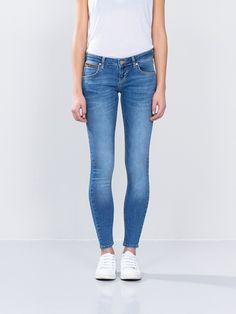 Never Denim. Boyfriend Jeans, Mom Jeans, Skinny Jeans, Autumn Fashion, Denim, Pants, Shopping, Clothes, La Mode