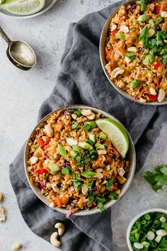 Due to its nutty flavor quinoa plays nicely with the Thai flavors in this salad recipe. The key to any good Thai recipe is the dressing. This one has peanut butter ginger soy sauce honey rice vinegar and sesame oil. Healthy Dinner Recipes, Vegetarian Recipes, Vegetarian Bowl, Vegan Food, Keto Recipes, Healthy Cooking, Healthy Eating, Healthy Mind, How To Make Breakfast