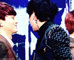 sweet Hug chen and leo of vixx fter vixx's first win peo was inconsolable, so cute!