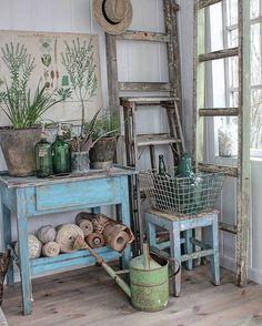 """1,867 Likes, 25 Comments - Vibeke Sæther Svenningsen (@vibekedesign) on Instagram: """"Gleder meg til å ta fram det gamle blå skomaker bordet igjen. Det sto inni et bitte lite hus som en…"""""""