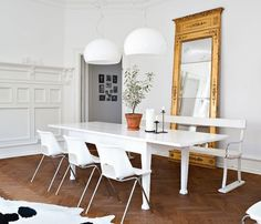 Love this white dining room. Love the minimalist treatment, with just a simple white table, dining chairs and a bench, this dining. Dining Decor, Dining Area, Dining Table, Dining Rooms, Wood Table, Home Decor Trends, Home Decor Inspiration, Tuesday Inspiration, Decor Ideas