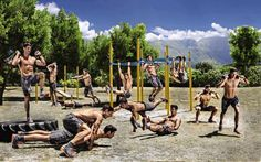 Take your workout outdoors to train for obstacle course races like Spartan Race, Tough Mudder, and Rugged Maniac. Tough Mudder Obstacles, Spartan Race Obstacles, Spartan Race Training, Ultra Marathon Training, Spartan Workout, Obstacle Course Training, Obstacle Course Races, Fitness Courses, Running On Treadmill