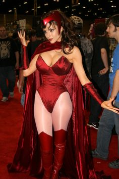 Gamer girl Gallery http://www.arcade-games-web.com/galleries/gamer_girls_2/ Comic Con Cosplay and art.