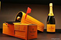 Veuve Clicquot Mailbox : Un concours de création pour une vente aux enchères