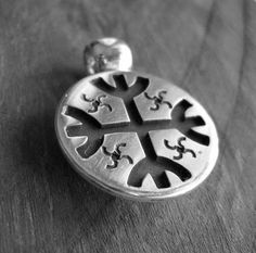 Tribal Jewelry, Metal Jewelry, Silver Jewelry, Olaf, Tribal Art, Diy Necklace, Lapis Lazuli, Metal Art, Black Silver