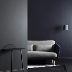 "200 mentions J'aime, 6 commentaires - Haymes Paint (@haymespaint) sur Instagram : """"People sometimes shy away from using dark tones within their home, however when used in the right…"""