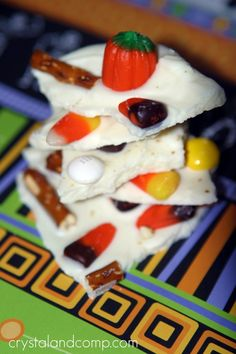 how to make sweet and salty halloween bark