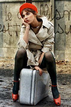 セレブがお手本! フレンチシックなトレンチコートの着こなし方 | FASHION | ファッション | VOGUE GIRL