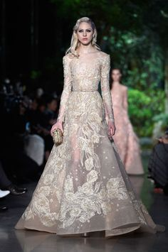 3 Wedding Gowns Straight Outta Paris and 4 More Dresses You Could Get Married In