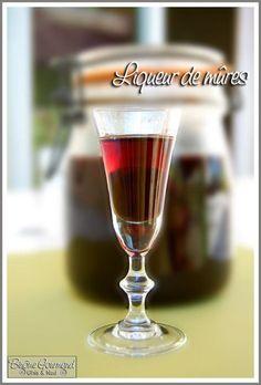 Liqueur de mûres - Binôme Gourmand Homemade Liquor, Alcoholic Drinks, Cocktails, Cranberry Recipes, Preserving Food, Refreshing Drinks, Mojito, Sangria, Milkshake