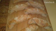Grahamovo-celozrnné rohlíky so sezamom (fotorecept) Graham, Ale, Bread, Food, Basket, Ale Beer, Brot, Essen, Baking