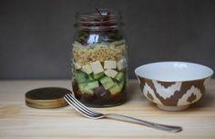 Salada mediterrânea com quinoa no pote | Panelinha - Receitas que funcionam