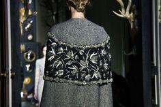 Le défilé Valentino haute couture printemps-été 2013-2014 à Paris http://www.vogue.fr/mode/inspirations/diaporama/journal-de-la-fashion-week-haute-couture-a-paris-jour-3/14274/image/801625#!33