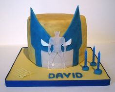 Wolverine birthday cake - La Forge à Gâteaux #WolverineCake #SuperheroCake www.laforgeagateaux.com
