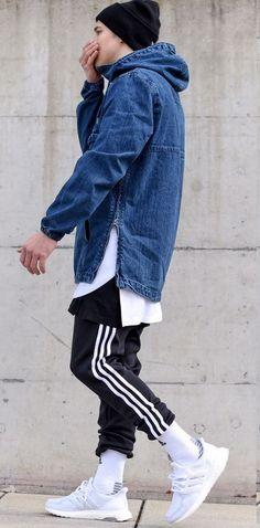 Adidas Ultra Boost. Macho Moda - Blog de Moda Masculina: Adidas Ultra Boost, Dicas de Looks Masculinos com o Sneaker. Sneaker, Tênis Masculino, Moda Masculina, Moda para Homens, Streetwear, Streetwear Masculino, Roupa de Homem. Jaqueta Jeans, Calça Adidas, Track Pants, Meia levantada