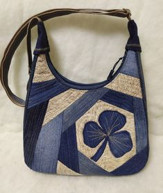 "In general, gypsies refer to the term ""handicraft"" t Bags Travel, Man Dressing Style, Denim Crafts, Patchwork Bags, Types Of Bag, Denim Bag, Purse Patterns, Market Bag, Handmade Bags"