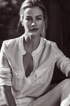 mum th. Carolyn Murphy pose for Stefanel Spring Summer 2016