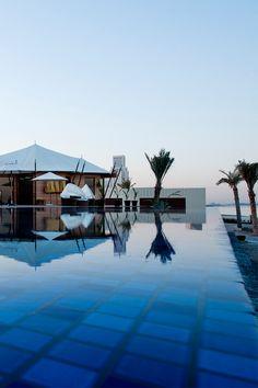 Infinity pool at Banyan Tree Ras Al Khaimah Beach resort Outdoor Swimming Pool, Swimming Pools, Ras Al Khaimah, East Africa, United Arab Emirates, Beach Resorts, Beautiful Beaches, Uae, Middle East