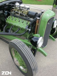 Hopped-up Lincoln Flathead V-12 in a Ford Chassis with Deuce Grill Shell - Old School Rod