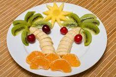 ensaladas divertidas para niños - Buscar con Google Fruit Salad Tree, Tropical Fruit Salad, Best Fruit Salad, Fruit Salad Recipes, Fruit Salads, Salads For Kids, Fruits For Kids, Healthy Snacks For Kids, Healthy Food