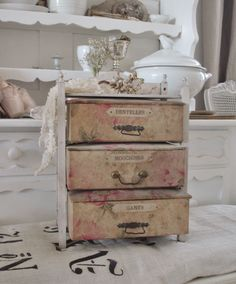 antique boxes - brocante-charmante