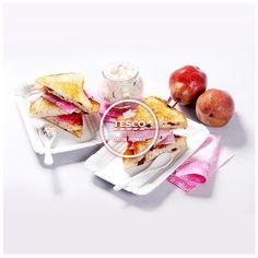 Sladké toasty s hruškami ořechy a rozinkami – svačina do školy  http://www.tescorecepty.cz/recepty/detail/78-sladke-toasty-s-hruskami-orechy-a-rozinkami-svacina-do-skoly