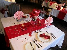 The 21 best Valentine\'s Table Settings images on Pinterest | Place ...