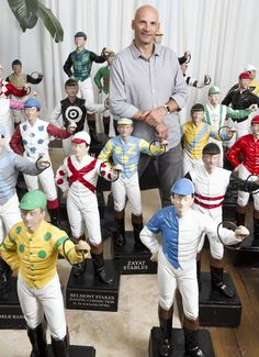 21 Club In NYC Jockey Statues Restored And Returned To NYC, USA   The Flying Shetlands