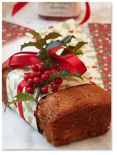Cranberry-Orange Bread ~ LOVE the packaging!  I'd wrap in Saran Wrap first, then this.