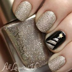 Gold Glitter Xmas Nails!!