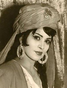 Famous Azerbaijan singer - Zeyneb Khanlarova