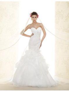 Robe de mariée 2015 en tulle applique cristal sans manches pas cher