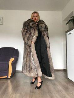 Material: Real Silver Fox Fur Hood Placket Cuff, Rex Rabbit Fur Lining. All of our furs (Fox/mink/rabbit/raccoon/sheep) are from Fur farms, not wild animals. Fox Fur Jacket, Fox Fur Coat, Fur Fashion, Womens Fashion, Black Fur Coat, Fabulous Fox, Mantel, Preppy, Indigo