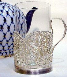 подстаканник (podstakanik; tea-glass holder). I just love these!