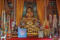2013 Photograph, Wat Fa Ham Phra Wihan Buddha and Monk Images, T. Fa Ham, Mueang Chiang Mai, Chiang Mai, Thailand, © 2017. ภาพถ่าย ๒๕๕๖ วัดฟ้าอฮ่าม พระพุทธรูปและพระภิกษุสงฆ์ภาพ พระวิหาร ต.ฟ้าอฮ่าม อ.เมืองเชียงใหม่ จ.เชียงใหม่ ประเทศไทย