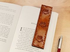 Everyone love cute owls! This handmade leather bookmark for women would make an cute best friend gift for a birthday. Check out my Etsy shop! Cute Best Friend Gifts, Unique Gifts For Mom, Practical Gifts, Leather Gifts, Leather Books, Leather Craft, Handmade Leather, Leather Anniversary Gift, 3rd Anniversary Gifts