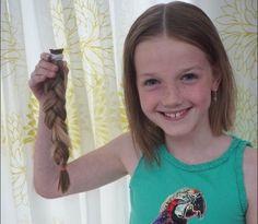 http://www.medemblikactueel.nl/8-jarige-maura-knip-haar-af-voor-stichting-haarwensen/