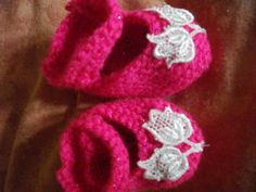 Tulip Shoes - Knitting creation by mobilecrafts Knitting Daily, Baby Knitting, Daily Inspiration, Tulip, Crocheting, Knit Crochet, Crochet Earrings, Baby Shoes, Community