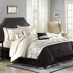 Better Homes and Gardens 7 Piece Comforter Set, Therese... Wish this came in bigger size