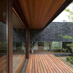中庭: バウムスタイルアーキテクト一級建築士事務所が手掛けたtranslation missing: jp.style.庭.modern庭です。