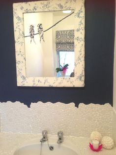 Cheap mirror covered in fabric, birds were a happy accident to cover a crack in the mirror Broken Mirror Diy, Diy Mirror, Mirror Ideas, Diwali Drawing, Cheap Bathroom Makeover, Coffee Table Cover, Cheap Mirrors, Bathroom Trends, Fabric Birds