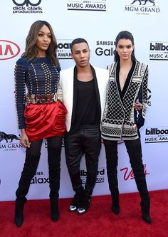 Announcement: Balmain's head designer Olivier Rousteing accompanied Kendall and her model pal Jourdan Dunn on the red carpet as he explained his upcoming collaboration with retailer H&M Billboard Music Awards 2015, Metallic Mini Dresses, Olivier Rousteing, Jourdan Dunn, Kardashian Jenner, Kardashian Style, Kendall And Kylie Jenner, Haute Hippie, Celebs