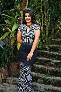 Samoan Designs, Island Wear, Island Outfit, Ethnic Fashion, African Fashion, Island Style Clothing, Clothing Styles, Samoan Dress, Tapas