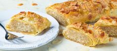 Gevulde banketstaaf met amandelspijs en een knapperige korst van bladerdeeg. Lekker met sinterklaas of de feestdagen