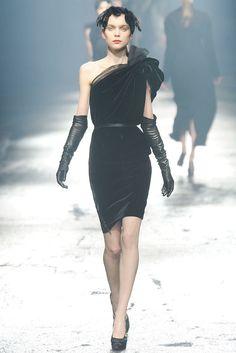 Lanvin Fall 2009 Ready-to-Wear Fashion Show - Kim Noorda